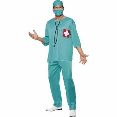 Dokter verkleedkleren chirurg