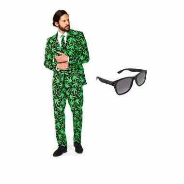 Heren verkleedkleren met cannabis print maat 52 (xl) met gratis zonne