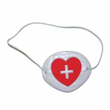 Ooglapje voor bij een verpleegster verkleedkleren